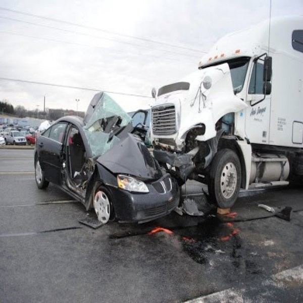 Truck Wreck Lawyer Atlanta